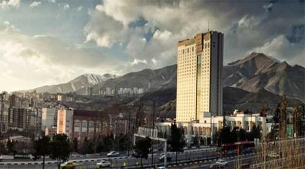 نمای هتل پارسیان آزادی تهران-پارسیان آزادی