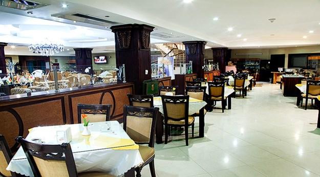 رستوران -پارک