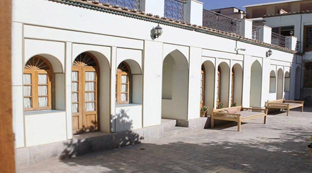 فضای آزاد هتل عتیق اصفهان-عتیق