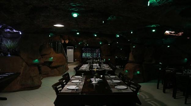 رستوران هتل بهشت تالاب بندر انزلی-بهشت تالاب