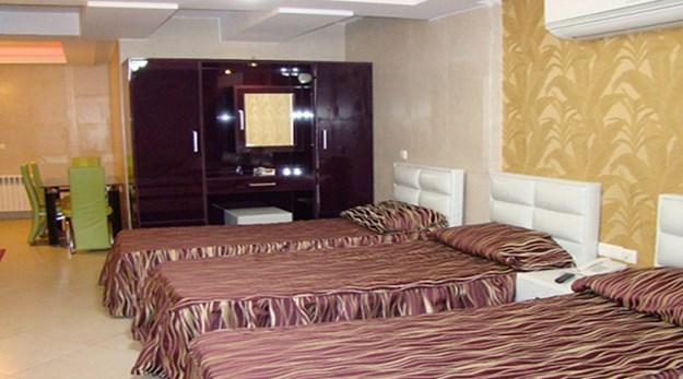 نمای اتاق سه تخته هتل شیان تهران-شیان