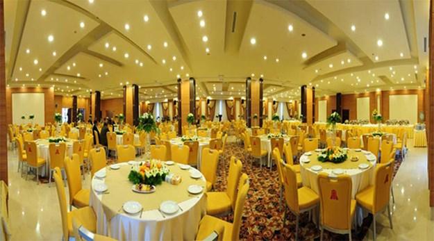 رستوران هتل پارسیان اوین تهران-پارسیان اوین