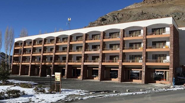 نمای بیرونی هتل جهانگردی دیزین- جهانگردی (مجتمع بین المللی)