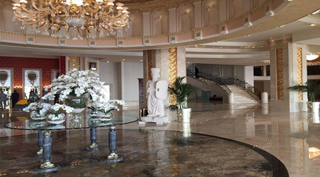 نمای پذیرش هتل اسپیناس پالاس تهران-اسپیناس پالاس