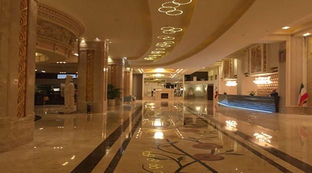 نمای لابی هتل اسپیناس پالاس تهران-اسپیناس پالاس