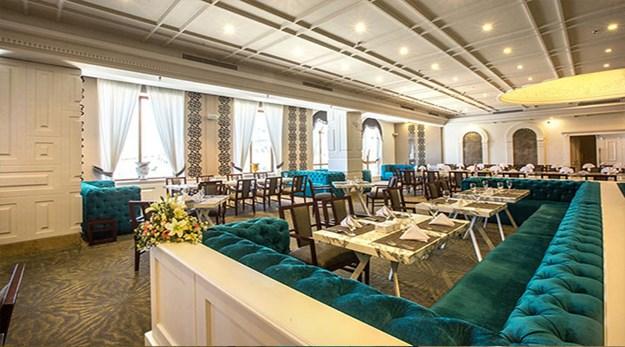 نمای رستوران هتل اسپیناس پالاس تهران-اسپیناس پالاس
