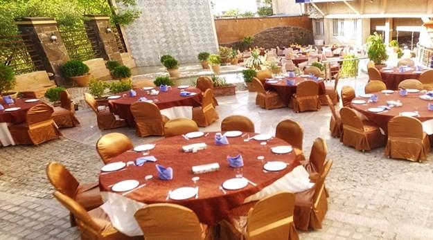 نمای رستوران هتل پارسیان آزادی همدان-پارسیان آزادی