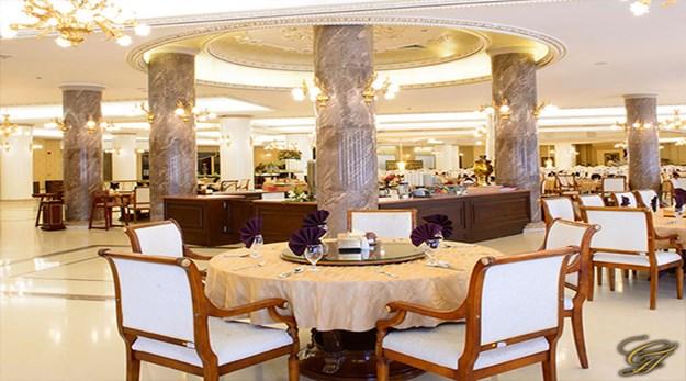 نمای رستوران هتل قصر طلایی مشهد -قصر طلایی