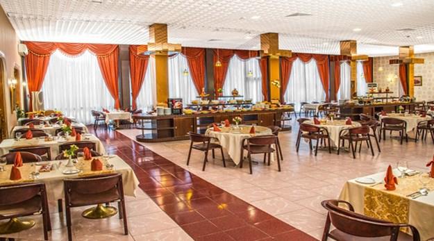 نمای رستوران هتل انقلاب تهران-پارسیان انقلاب