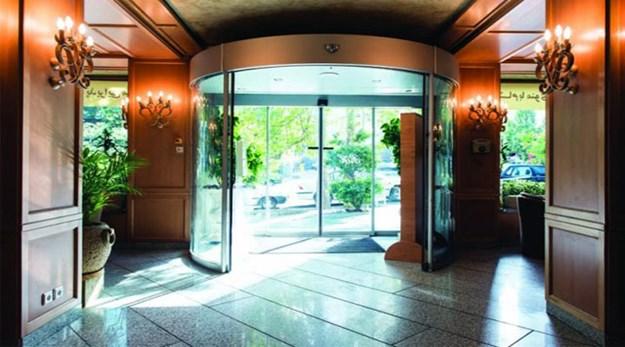 ورودی هتل رامتین تهران-رامتین