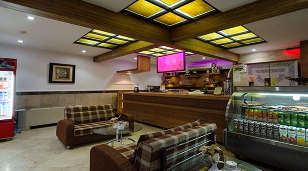 نمای کافی شاپ هتل قصر آیدین مشهد-قصر آیدین