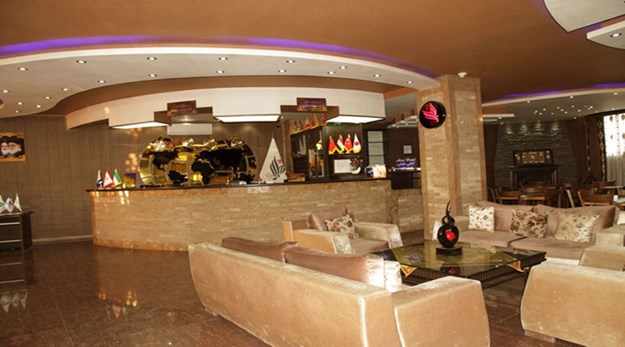 نمای پذیرش هتل آریا ارومیه-آریا