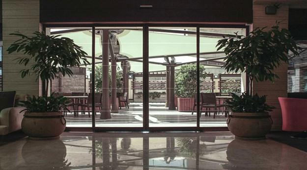 نمای ورودی هتل اسکان الوند تهران-اسکان الوند