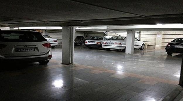 نمای پارکینگ هتل آزادی تهران-آزادی