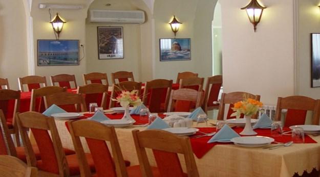 نمای رستوران هتل جهانگردی گلپایگان-جهانگردی