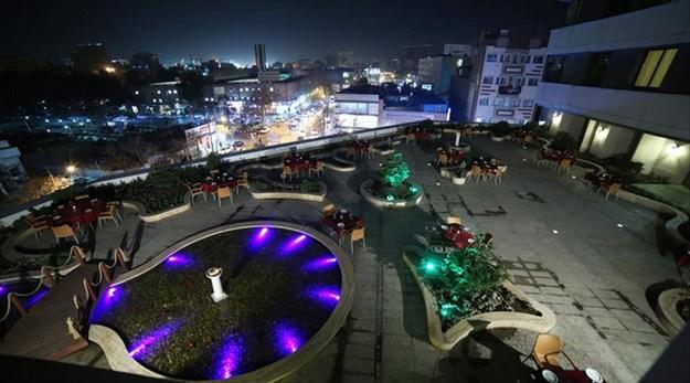 نمای رستوران فضای باز هتل سی نور مشهد-سی نور