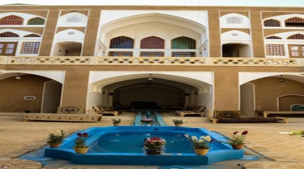 نمای حیاط هتل خانه نقلی کاشان-خونه نقلی