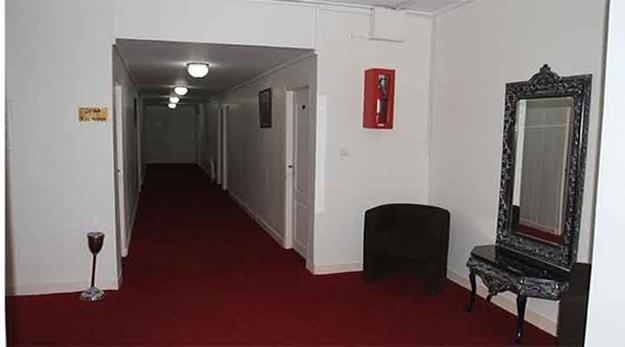 راهرو اتاق های مهمانسرا جهانگردی ماکو-جهانگردی
