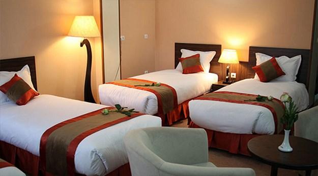 نمای اتاق سه تخته هتل حجاب تهران-حجاب