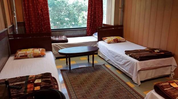 نمای اتاق سه تخته مهمانسرای کشاورز تهران-کشاورز