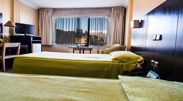 نمای اتاق هتل مشهد تهران-مشهد